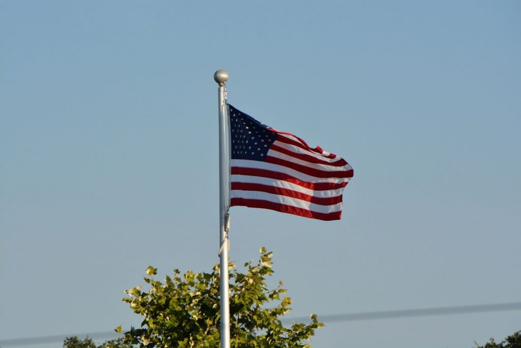 united-states-american-flag-2015-usa-swimming-juniors-008