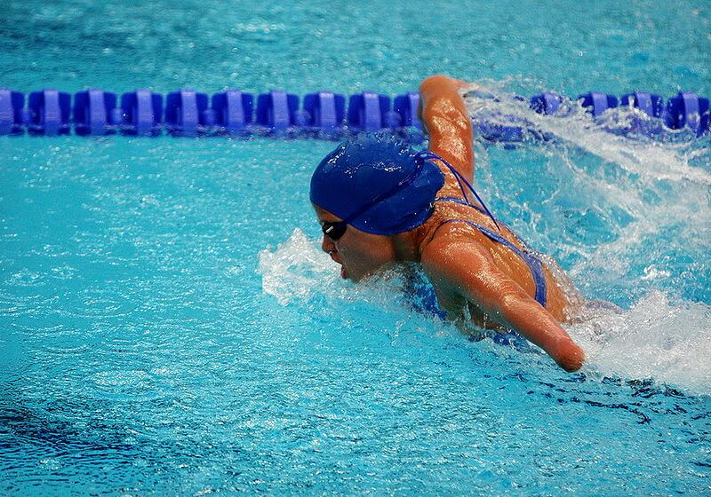 800px-Swimming_at_the_2008_Summer_Paralympics_-_women_Butterfly_stroke