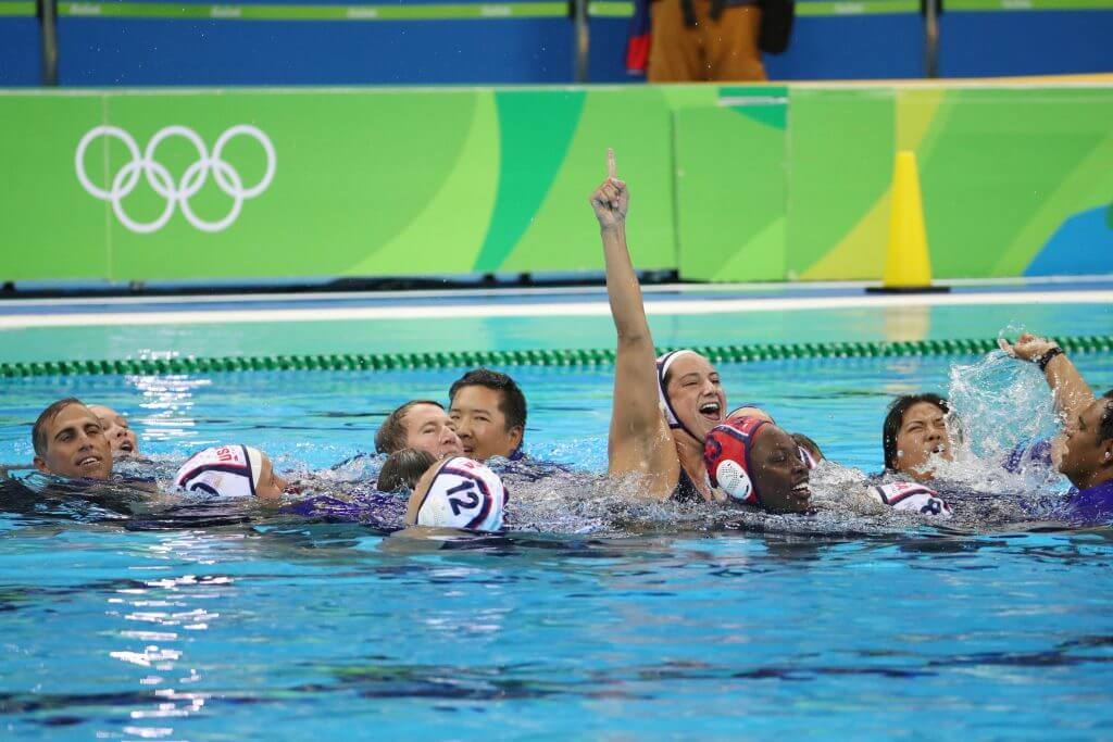 rio-gold-water-polo-celebrate-in-pool
