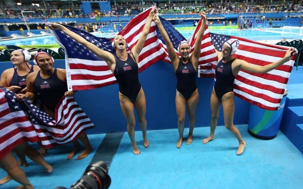 rio-water-polo-usa-gold-flags