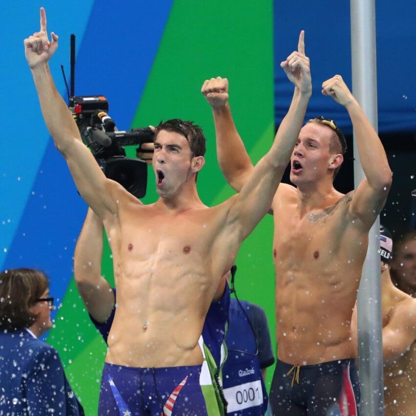 michael-phelps-caeleb-dressel-celebrate-400-free-relay-win-2016-rio-olympics