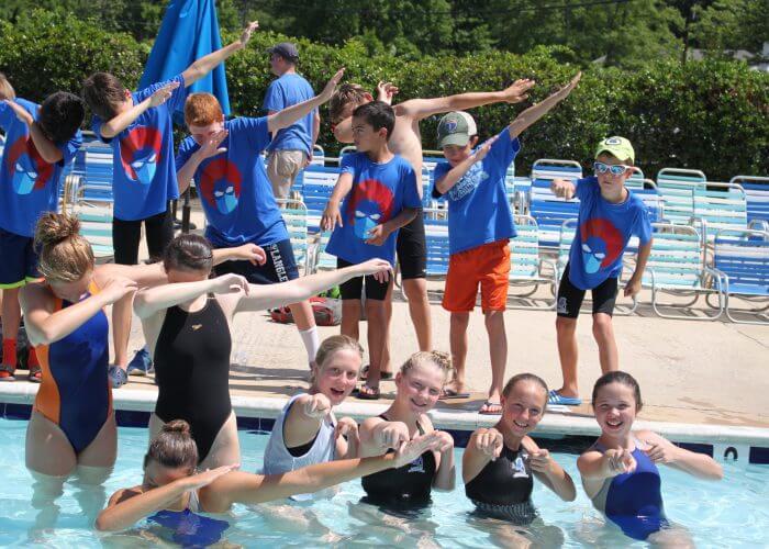 swimmers-having-fun