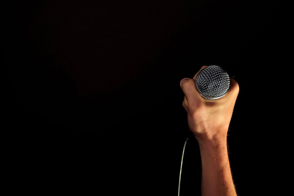 singing-microphone-feature-image