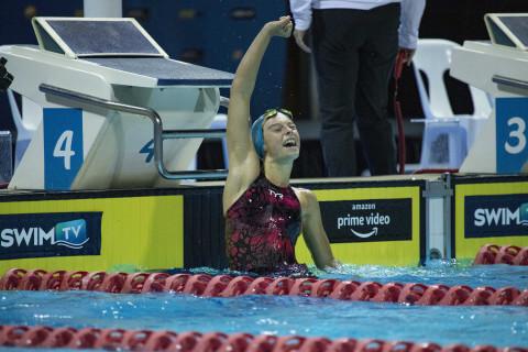 210411-SwimmingAustralia-Mackinder-001
