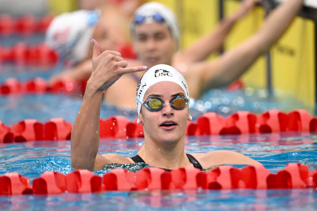Kaylee McKeown breaks Commonwealth and Australian Record, 100m BACKSTROKE Final, 2021 Sydney Open, Sydney Olympic Park Aquatic Centre , May 15 2021. Photo by Delly Carr / SOPAC. Pic credit is mandatory for complimentary editorial usage. I thank you in advance.