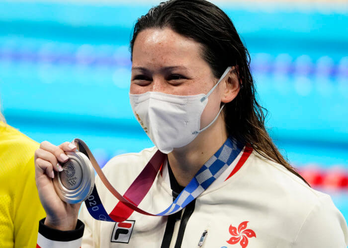 Jul 28, 2021; Tokyo, Japan; Siobhan Bernadette Haughey (HKG) with her silver medal during the medals ceremony for the women's 200m freestyle during the Tokyo 2020 Olympic Summer Games at Tokyo Aquatics Centre. Mandatory Credit: Rob Schumacher-USA TODAY Sports