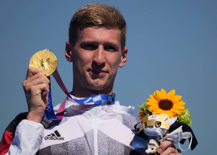 florian wellbrock, olympics, Aug 5, 2021; Tokyo, Japan; Florian Wellbrock (GER) wears his gold medal after the men's 10km marathon swimming competition during the Tokyo 2020 Olympic Summer Games at Odaiba Marine Park. Mandatory Credit: Kareem Elgazzar-USA TODAY Sports