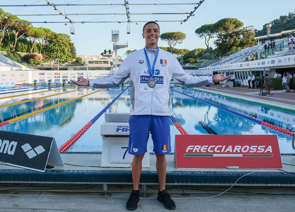 Swimming World October 2021 Presents - David Popovici - Expect Great Things